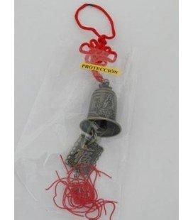 Campana con cordón rojo