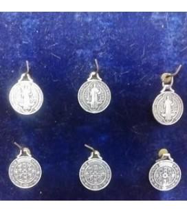 Medalla san Benito, 4 cm ( bolsa 6 unidades sin manipular )